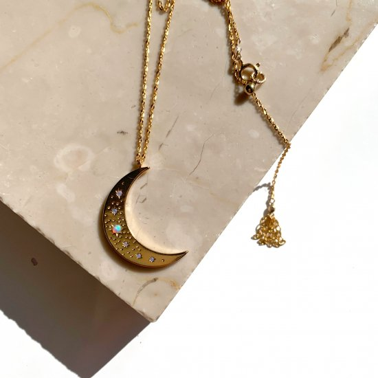 <img class='new_mark_img1' src='https://img.shop-pro.jp/img/new/icons57.gif' style='border:none;display:inline;margin:0px;padding:0px;width:auto;' />〈Import select charm Necklace〉Moon×Opal