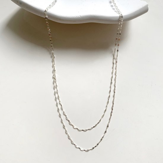 <img class='new_mark_img1' src='https://img.shop-pro.jp/img/new/icons14.gif' style='border:none;display:inline;margin:0px;padding:0px;width:auto;' /> 〈Silver skin double necklace〉