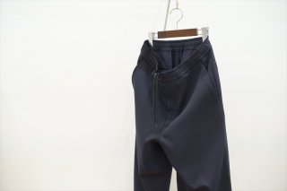 UNIVERSAL PRODUCTS (ユニバーサルプロダクツ)Wool Easy Slacks/Navy