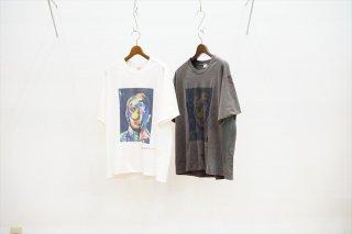 MAISON EUREKA(メゾンエウレカ)Ryoji Honma Portrait Print Tee (For UNISEX)