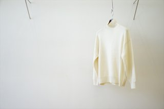AURALEE for women(オーラリー)BABY CASHMERE KNIT TURTLE NECK P/O