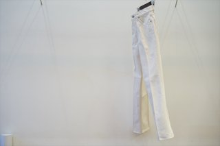 AURALEE(オーラリー)for women HARD TWIST DENIM 5P PANTS/White×Ivory