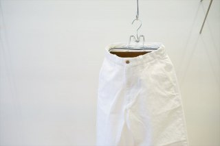 UNIVERSAL PRODUCTS(ユニバーサルプロダクツ)No Tuck Denim Wide Pants/White