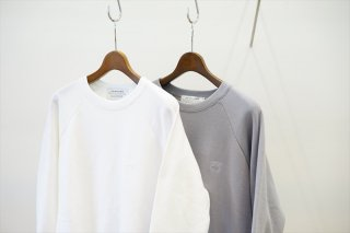 POET MEETS DUBWISE(ポエトミーツ ダブワイズ)PMD+Embroidery GROUNDED Loose Fit Raglan Sweat  /White/L.Gray/