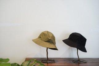 comesandgoes(カムズアンドゴーズ)Typewriter Bucket Hat/Olive/Black