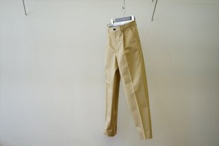 UNIVERSAL PRODUCTS(ユニバーサルプロダクツ)Cotton I Tuck CinoTrousers/Beige