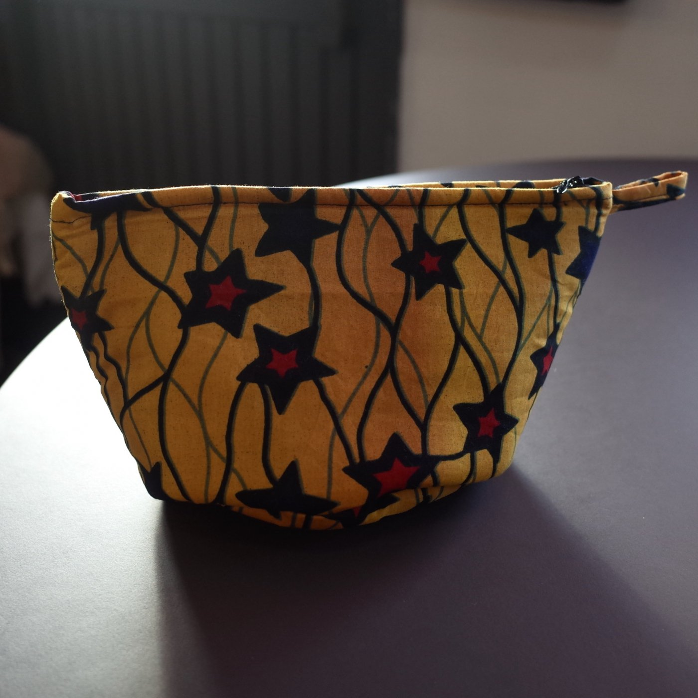 <img class='new_mark_img1' src='https://img.shop-pro.jp/img/new/icons5.gif' style='border:none;display:inline;margin:0px;padding:0px;width:auto;' />AFRICAN PRINT POUCH-HANDMADE BY SENEGALESE-
