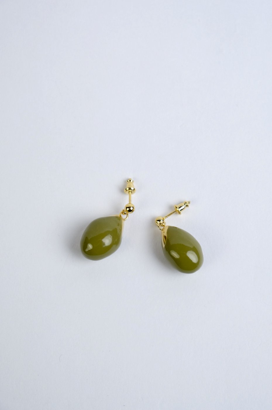 R.ALAGANララガン-OLIVE EARRINGS-OLIVE/GOLD
