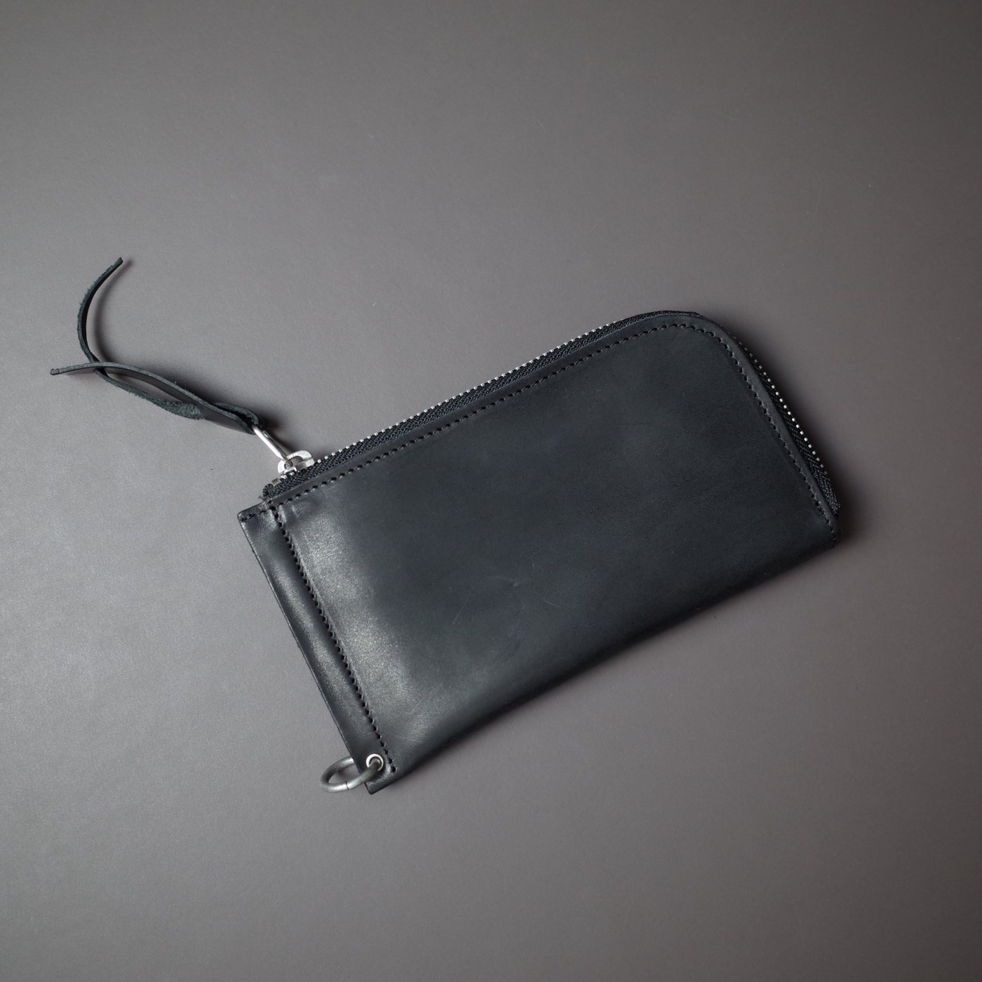 DELLE COSE デレコーゼ -ZIPPEPED WALLET-BLACK-