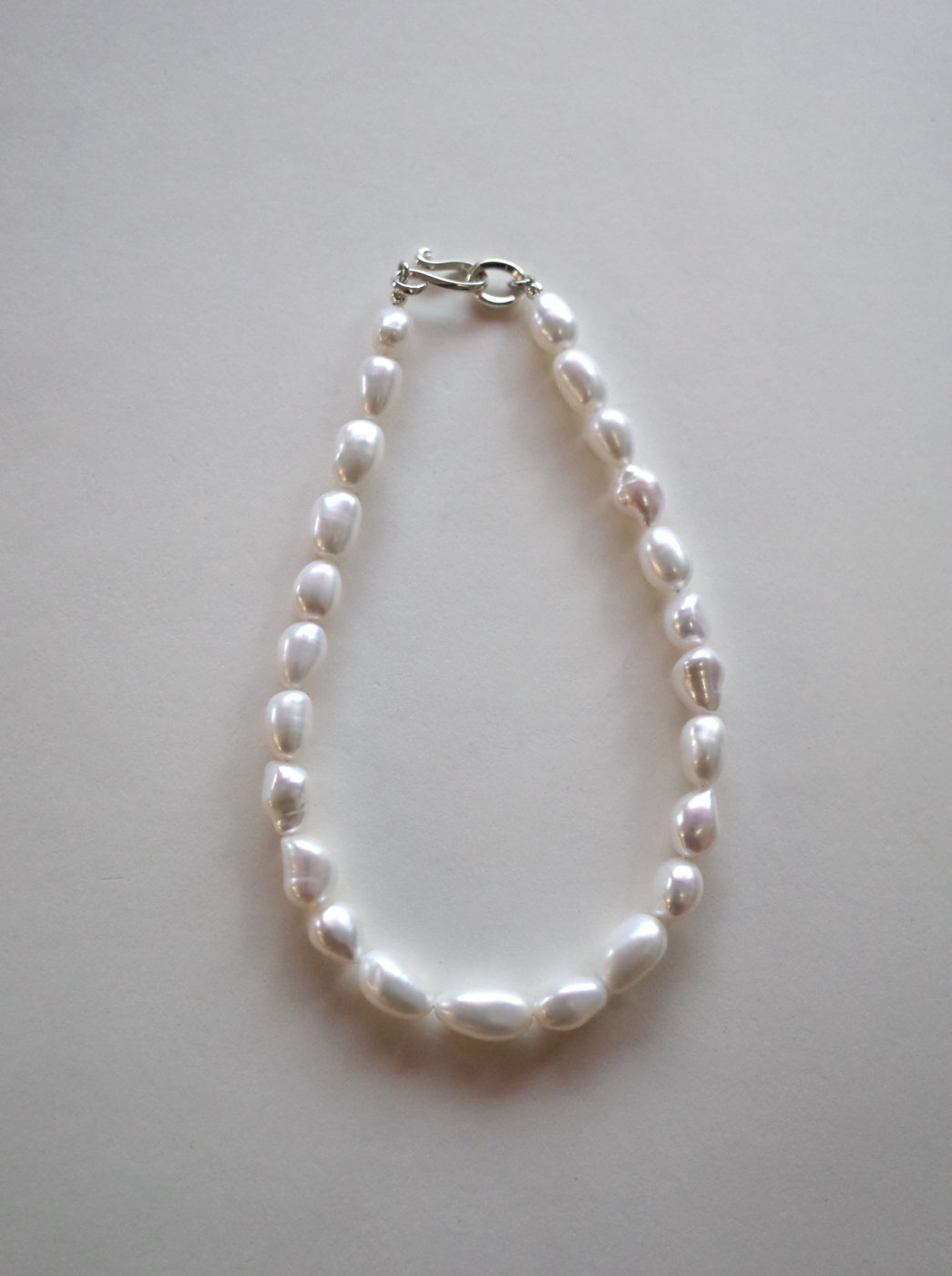 <img class='new_mark_img1' src='https://img.shop-pro.jp/img/new/icons8.gif' style='border:none;display:inline;margin:0px;padding:0px;width:auto;' />R.ALAGAN -SHORT PEARL NECKLACE