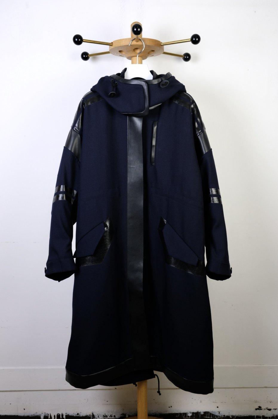 Mame Kurogouchi マメクロゴウチ-SHADOW PATCHED WOOL HOODED COAT-NAVY