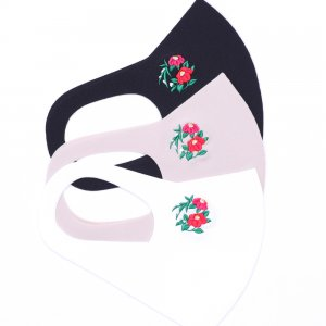 ここちいいマスク  刺繍入り / 雪椿