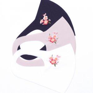 さらりとした肌触りが気持ちいい 心地いいマスク  刺繍入り / 梅