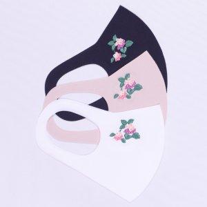 さらりとした肌触りが気持ちいい 心地いいマスク  刺繍入り / あじさい