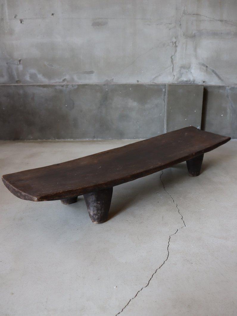 アフリカのローテーブル