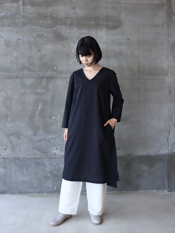 iroiro V-Neck Dress