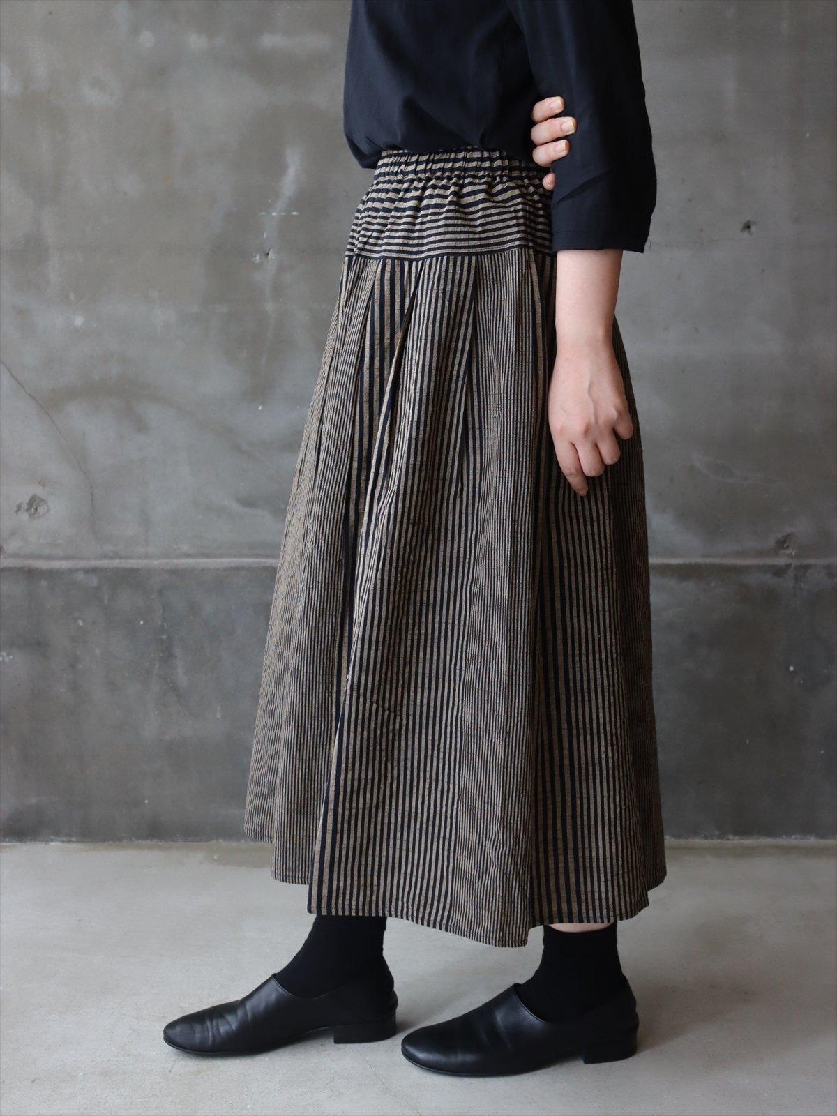 YAMMA 会津木綿タックスカート ぼかし縞(紺)