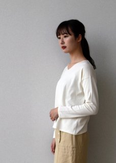 high gauge cotton V neck pullover