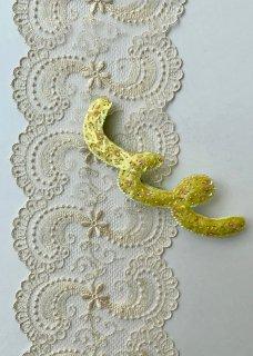 Piuu/Yellow ブローチ
