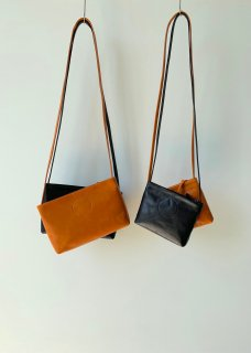 Naturally tanned leather shoulder( bag・pouch)