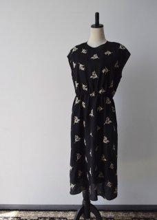 Muguet embroidery dress