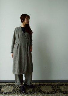 wool tuck robe