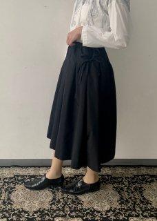 powder / skirt