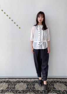 dust / blouse