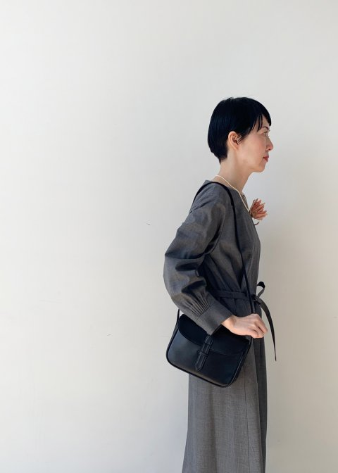 Naturally tanned leather shoulder bag