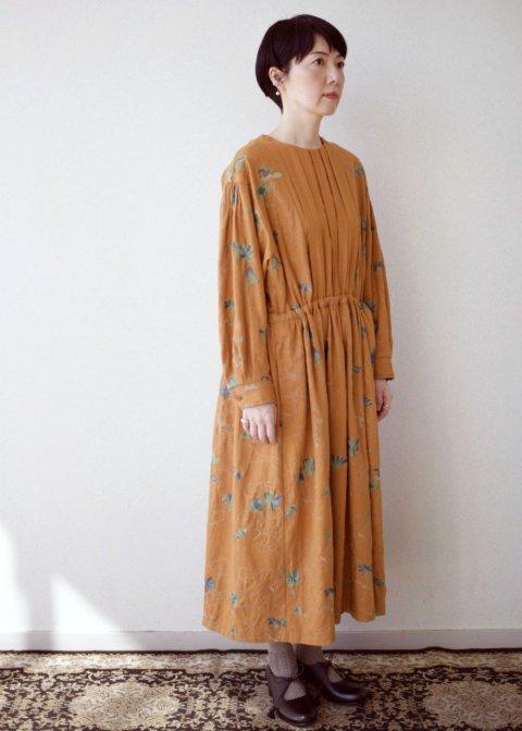 ナスタチュウム刺繍ワンピース