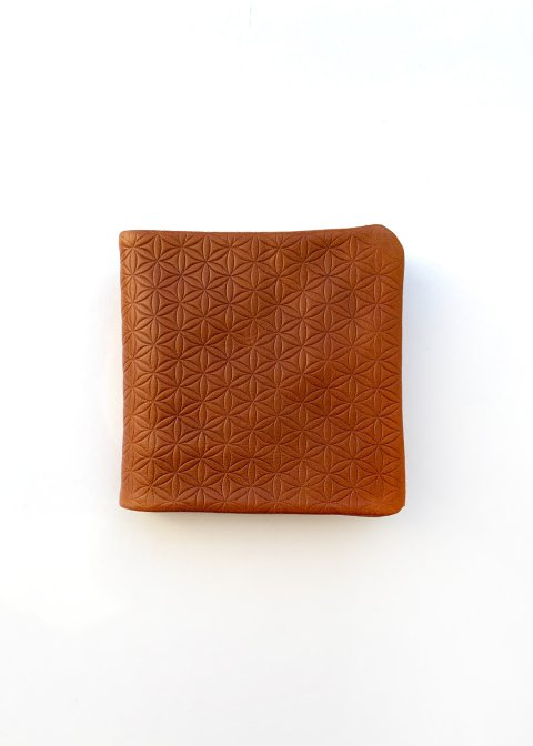 Naturally tanned leather bifold wallet (Flower of life)