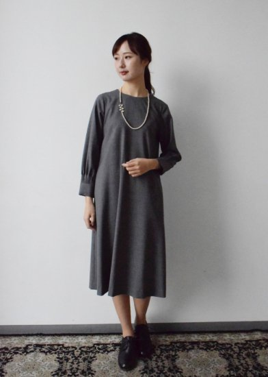 <img class='new_mark_img1' src='https://img.shop-pro.jp/img/new/icons14.gif' style='border:none;display:inline;margin:0px;padding:0px;width:auto;' />formal A line one-piece dress