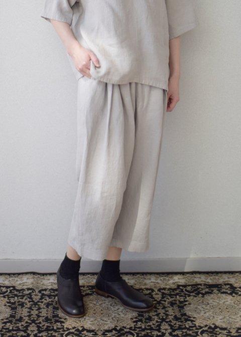 linen tuck pants