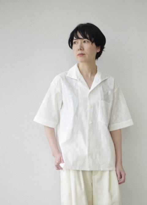 Sakurashi blouse(Insect embroidery)