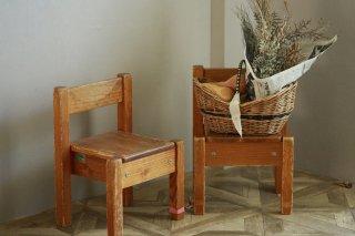 木製のアンティーク椅子(2個セット)