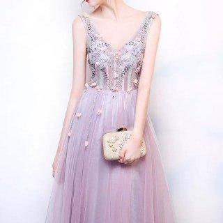 フラワーモチーフとビーズ刺繍のVネックロングドレス