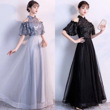 ブライズメイドに 立体的なフラワーモチーフ ホルターネックマキシ丈ドレス