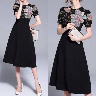 オリエンタルな花柄刺繍 バルーンスリーブ半袖ワンピース