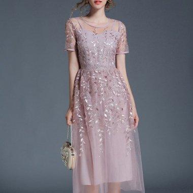 結婚式や二次会に 艶やかなリーフ刺繍がエレガントなチュールスカートの袖ありドレス 2色