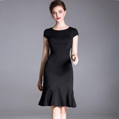 大人カラーでエレガントな印象に フリルヘムスカートがかわいい袖ありワンピース 2色