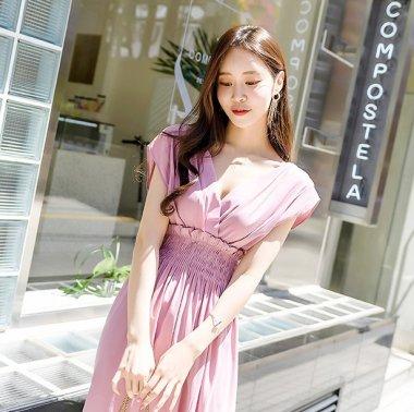ハイウエストのたっぷりギャザーがかわいいミモレ丈の袖ありフレアワンピース 2色