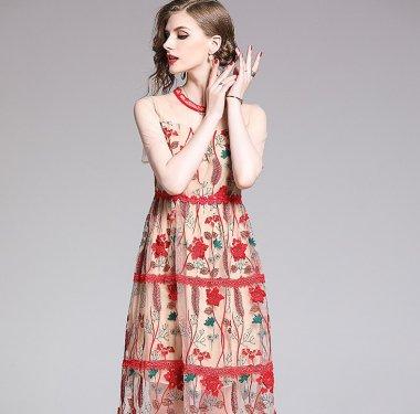 ボタニカル柄刺繍が上品かわいいシースルーの袖ありカジュアルドレス