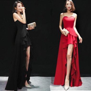 ボリューミーなフリルでゴージャスに 大胆な脚見せが大人セクシーなマキシ丈のドレス 2色