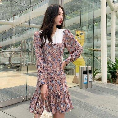 個性的でおしゃれな海外デザイン 大人かわいいフラワープリントの長袖フレアワンピース 2色