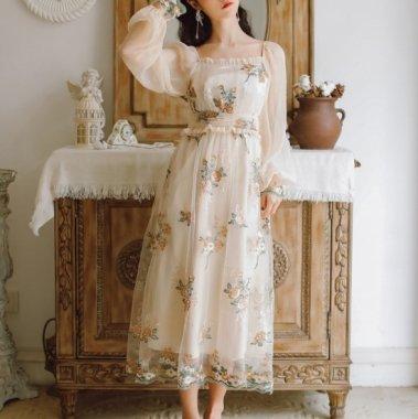 人気の海外デザイン 清楚ガーリーなふんわりシフォンの長袖花柄フレアワンピース