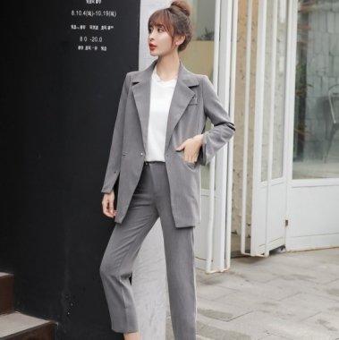 スタイリッシュな海外デザイン すっきり見せのボトムスとジャケットのセットアップ スーツ