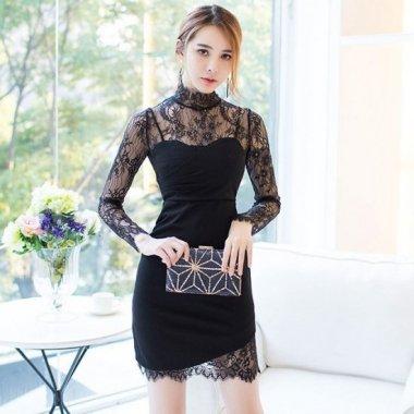 オトナ女子のお呼ばれドレスに 花柄刺繍レースのボディコン黒ミニワンピース