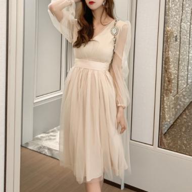 大人ガーリーな海外デザイン ふんわりボリューミーなシフォンのフレアワンピース ドレス