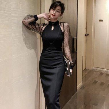 オトナ女子のお呼ばれコーデに フェミニンなシースルースリーブの膝丈タイト黒ドレス ワンピース
