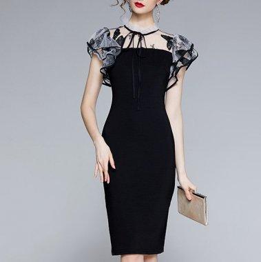 バタフライ刺繍が個性的 ティアードチュールの膝丈袖ありモノトーンドレス